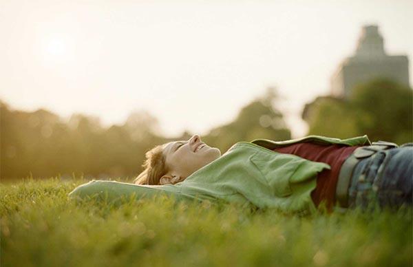Chronique #17 : Vivre seul(e) et heureux(se) !